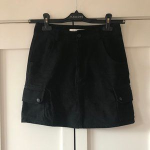 Simons (Twik) High-Waisted Black Denim Skirt, S